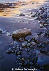 Pebbles in ephemeral rest...Taken with Canon EOS500 (anal... by Helena Encarna&#231;&#227;o 